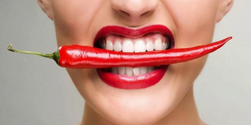Ăn đồ cay vừa không tốt cho da dẻ cả dạ dày