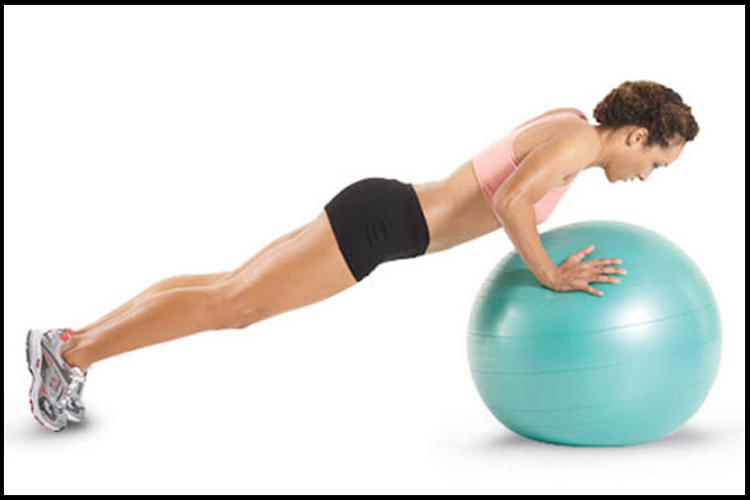 Bài tập giảm béo bắp tay với bóng