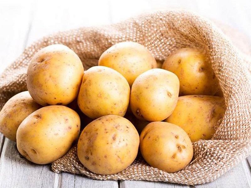 cách làm trắng nách tại nhà với khoai tây