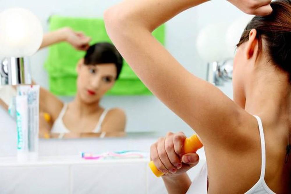 Các sản phẩm thông thường chỉ giấu mùi mà không điều tiết mồ hôi tiết ra