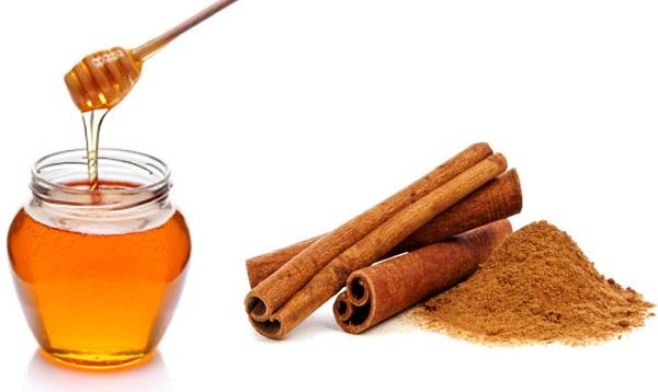 Hỗn hợp quế và mật ong trị có khả năng trị mụn ẩn siêu hiệu quả