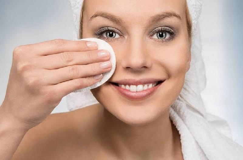 Tẩy trang ngoài làm sạch còn đẹp lại cho da nhiều công dụng khác