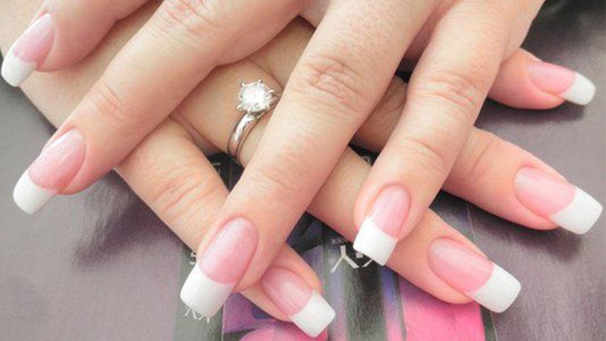 Đắp bột móng tay khiến đôi tay của bạn trở nên hoàn hảo hơn