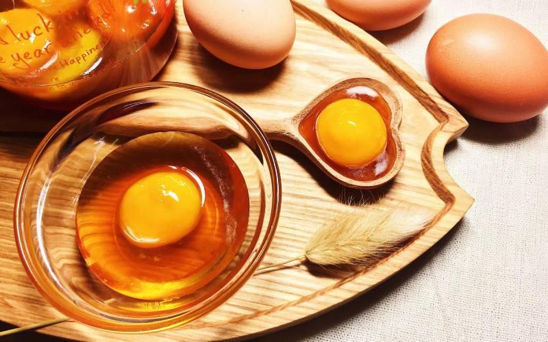 Trong trứng gà có chứa nhiều dưỡng chất có lợi cho da
