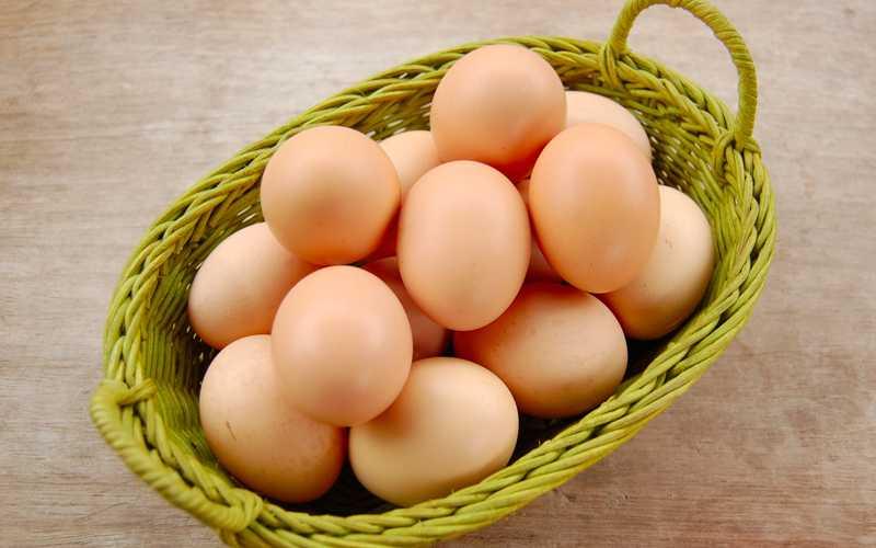 Trứng gà là thực phẩm quen thuộc của mọi gia đình