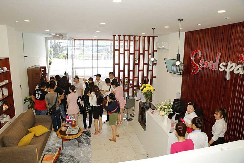 Seoul Spa là điểm đến được nhiều người lựa chọn để điều trị mụn