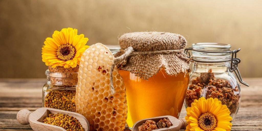 Mật ong kháng viêm, trị mụn hiệu quả
