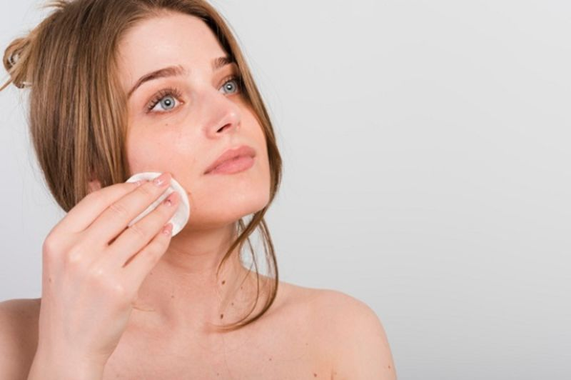 Tẩy trang giúp da sạch sâu bên trong