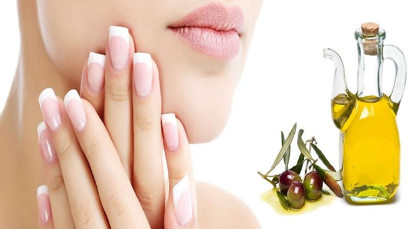 Nhiều người thắc mắc có nên dùng dầu oliu để tẩy trang không