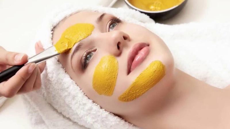 Hãy đắp mặt nạ tinh bột nghệ đúng cách để làn da trẻ-đẹp hơn mỗi ngày
