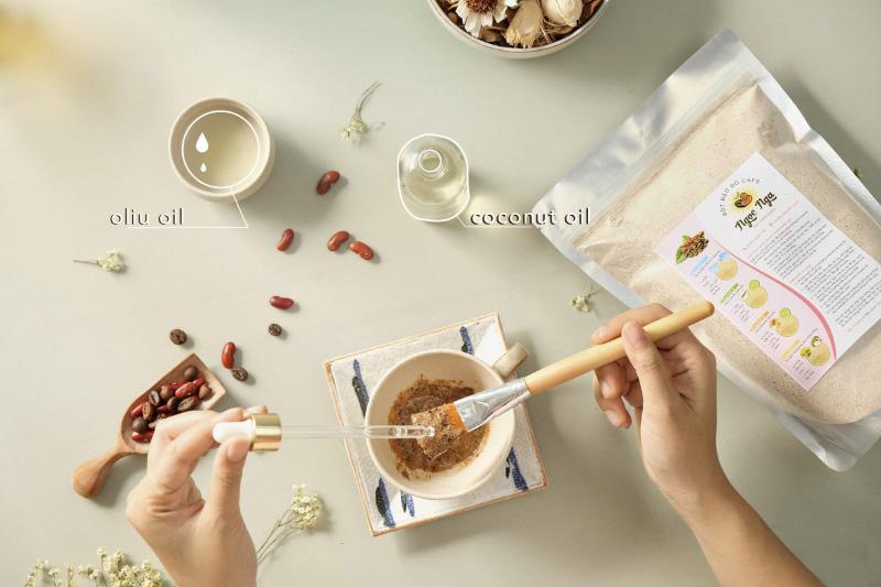 Bột đậu đỏ và dầu oliu hỗ trợ dưỡng da khô